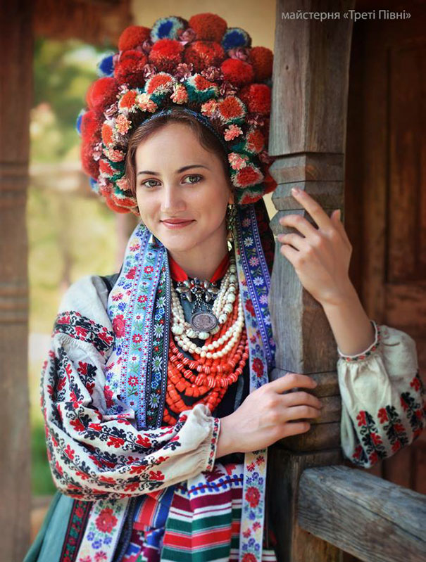 traditional-ukrainian-flower-crowns-treti-pivni-8
